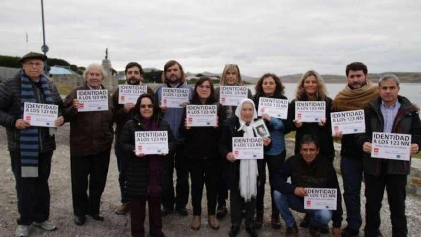 Familiares de caídos en Malvinas repudiaron el viaje de Pérez Esquivel y Nora Cortiñas para identificar a los soldados