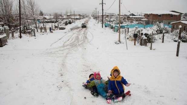 Ola de frío: arranca una semana helada en el Ciudad y la nieve complica la Patagonia