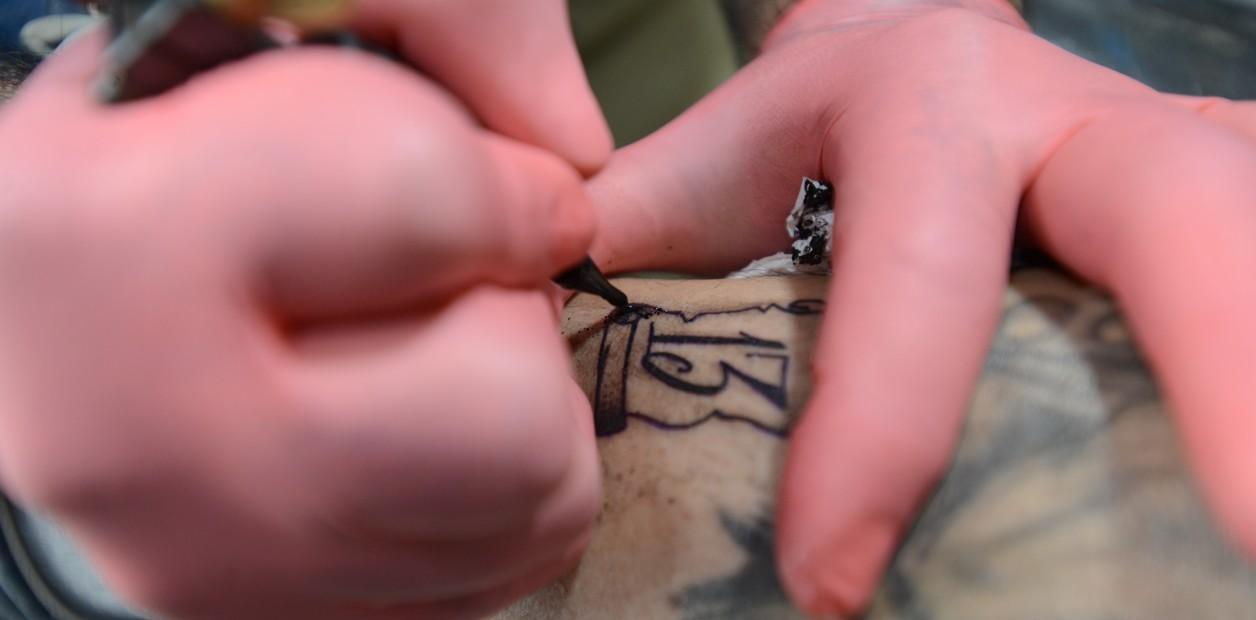 Locos Por El 13 Llegó El Ritual De Tatuarse Un 13 Cada Viernes 13