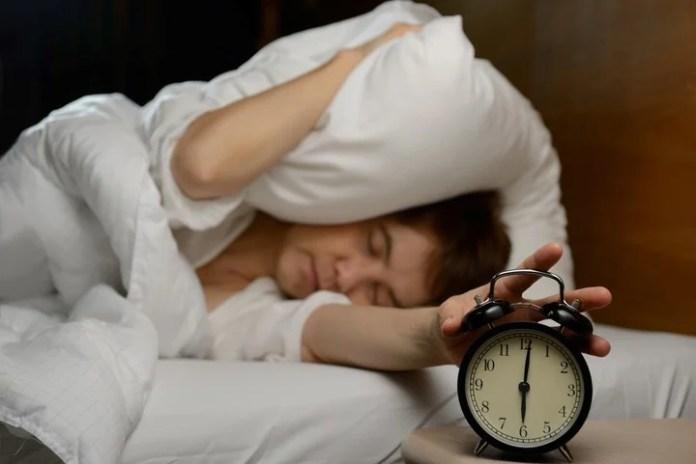Dormir poco deja huellas en el cerebro y en lo físico.