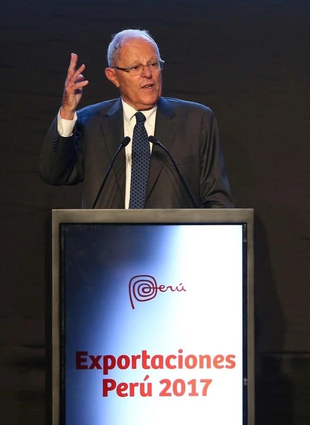Pedro Pablo Kuczynski, en una presentación de las cifras de exportaciones en 2017, en Lima. EFE/Ernesto Arias