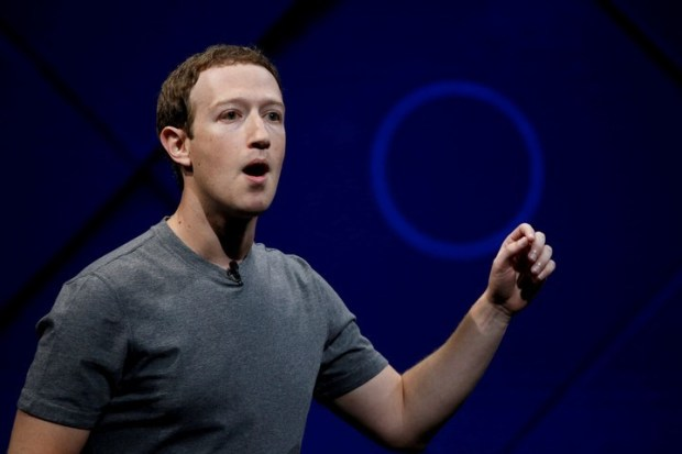 Dos accionistas presentaron sendas querellas el martes y el jueves en cortes de San Francisco y San José, respectivamente, contra Zuckerberg. (Foto: REUTERS)