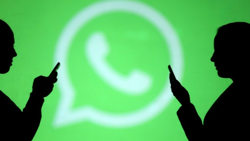 Algunos mensajes enviados por WhatsApp pueden bloquear tu teléfono. (Foto: REUTERS/Dado Ruvic/Illustration)