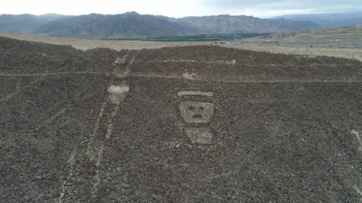 """Toma aérea del 09/04/2018 de geoglifos detectados en la provincia de Palpa, Perú. Hace pocos mesesun grupo de arqueólogos descubrió 50 geoglifos, de los que se presumeque fueron mapas estelares, calendarios agrícolas o dibujossagrados de culturas preincaica.(Vinculado al reportaje de dpa """"Líneas de Palpa: Descubren nuevos geoglifos en el desierto peruano"""" del 12/04/2018) Foto: Genry Bautista Linares/dpa +++ dpa-fotografia +++"""