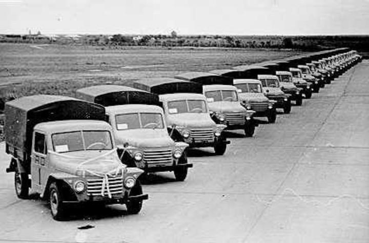La primera serie del Rastrojero fue lanzada el 1° de mayo de 1952.