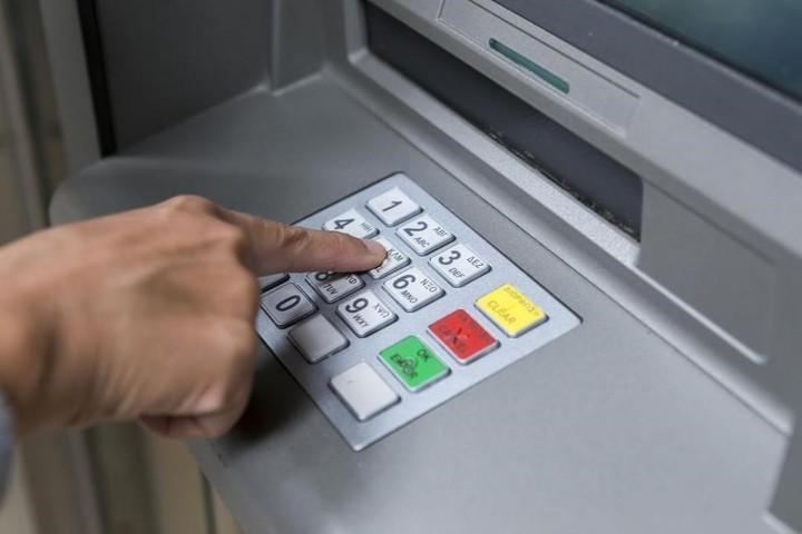 Los cajeros automáticos estarán disponibles para las transacciones.