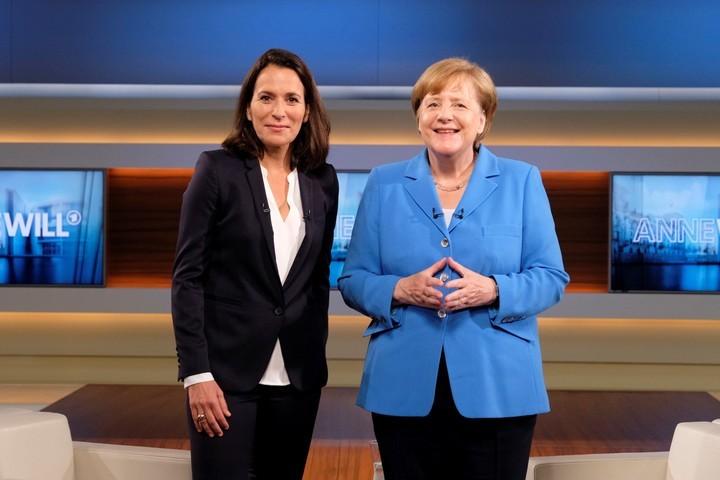 Críticas. La canciller Angela Merkel participa de un programa de la TV pública alemana para referirse a la cumbre del G7 (EFE).