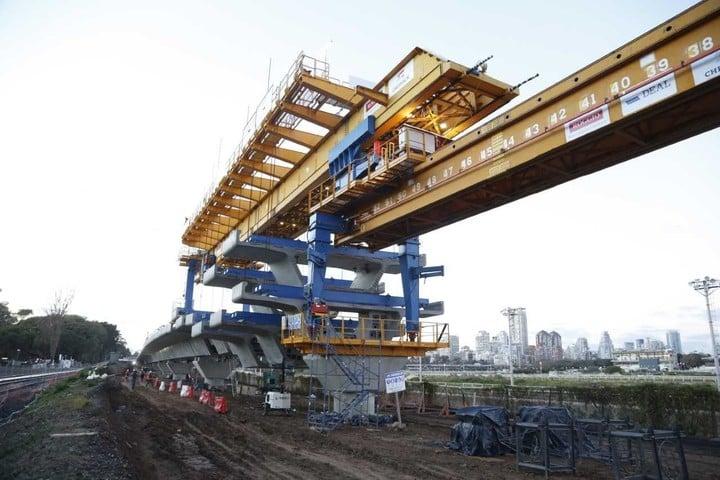 El viaducto estará listo a mediados de 2019 y correrá en altura entre las avenidas Dorrego y Congreso.