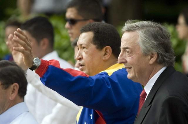 Chavez y Kirchner, en 2010 en Colombia. Foto EFE