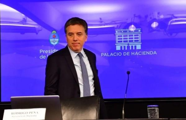El ministro Dujovne anunció seis medidas para reducir el rojo fiscal. (Marcelo Carroll)