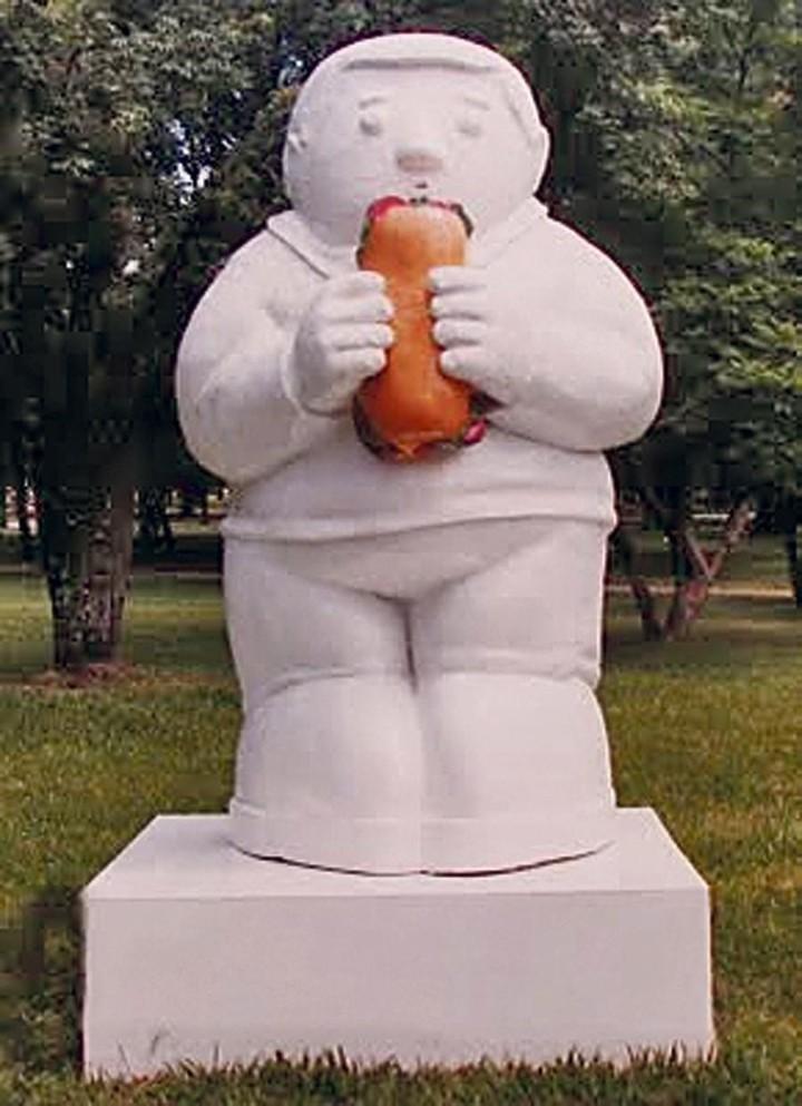El monumento al sánguche de milanesa en Tucumán. (La Gaceta)