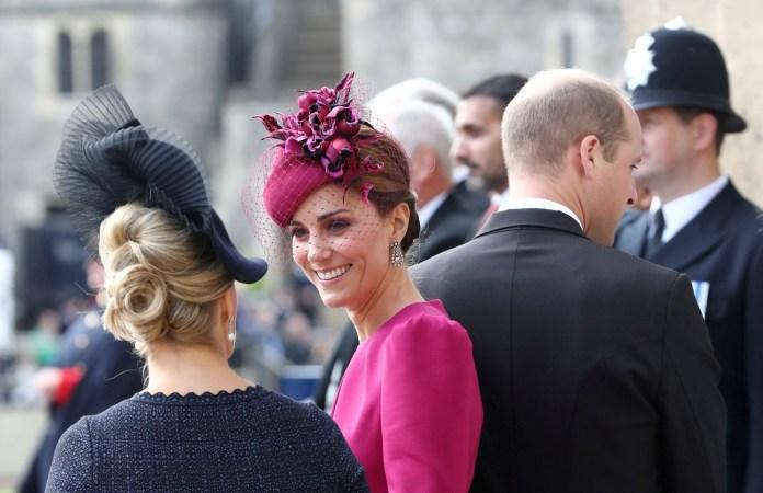 "Kate, con ""fascinator"" rosa oscuro (Reuters)"