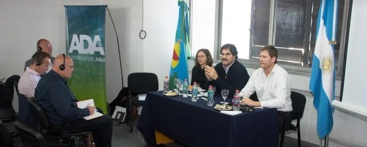 El ministerio de Agroindustria bonaerense, que conduce Leonardo Sarquís (centro), trabaja codo a codo con la Autoridad del Agua y otras dependencias públicas.