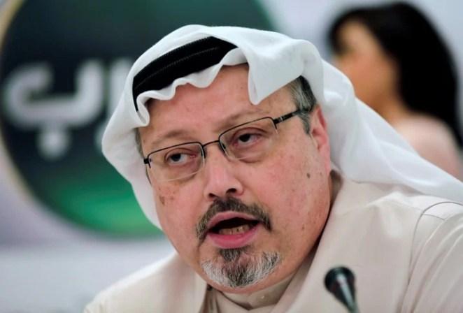 Jamal Khashoggi en una conferencia en Manama, Bahrein (AP).
