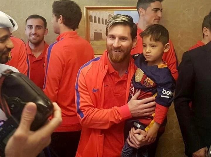 Messi y Ahmadi, juntos en Qatar. (Foto: EFE/Qatar)