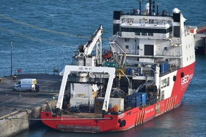 El buque Geo Ocean III, en el puerto de Weymouth, después haber recuperado el cuerpo de Emiliano Sala.