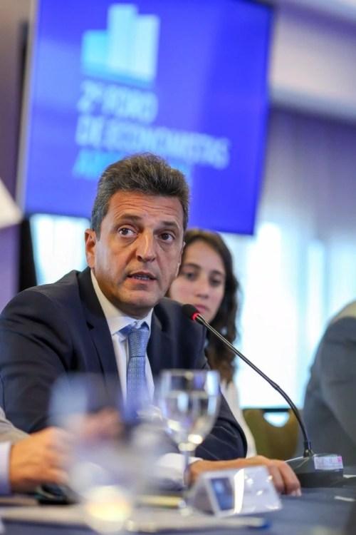 Sergio Massa durante su disertación ante economistas.
