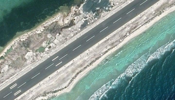 Actualmente la isla se prepara para recibir un aluvión de turistas. Los ambientalistas protestan por el impacto.