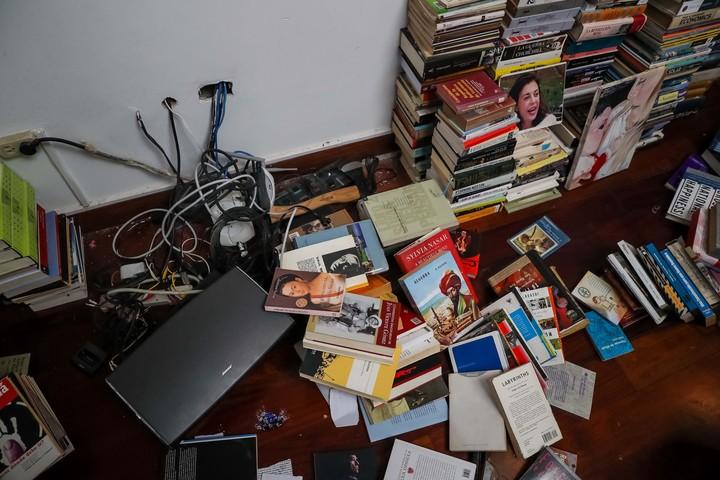 E interior de la casa de Lilian Tintori y Leopoldo López en Caracas, allanada por supuestos miembros del SEBIN. / EFE