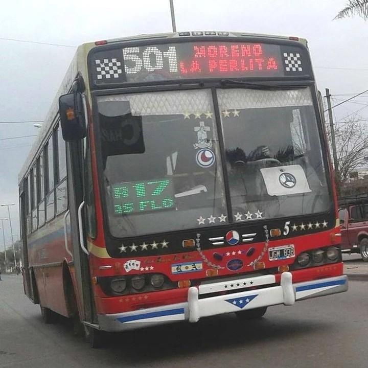 La línea 501 de la empresa Transporte La Perlita, a la que pertenece el colectivero atacado para robarle.
