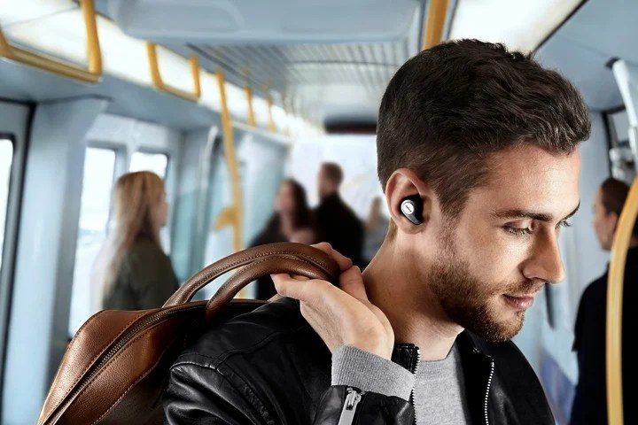 The condition for entering the TWS category is that the headphones are of the in-ear type (in-ear).