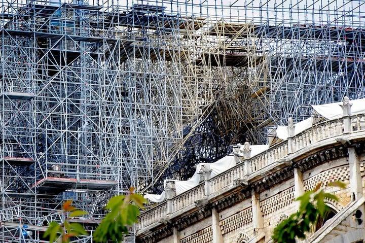 Para preservar los tesoros de la Catedral se formó un grupo con los mejores especialistas de Francia. Noel Smart