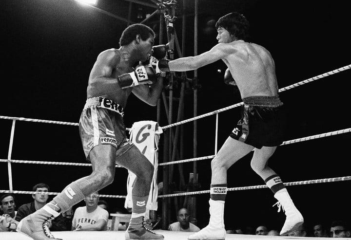El 26 de junio de 1976, Carlos Monzón venció a Rodrigo Valdés y recuperó el título que el CMB le había quitado en 1974. (Foto: Rene Maestri / AP)