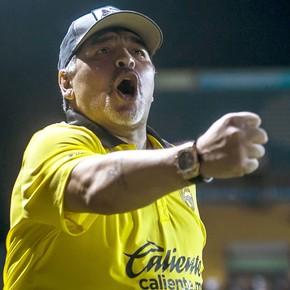 AMLO: cuando Maradona celebró el triunfo de López Obrador en México