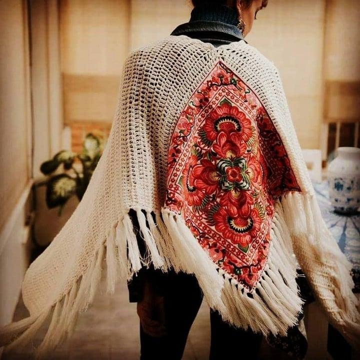 Las ruanas y ponchos sirven como abrigo multifunción (Rosarito Store).