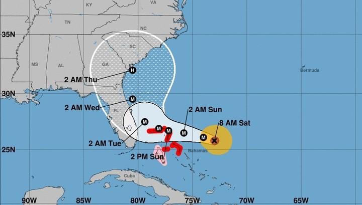 La trayectoria estimada de Dorian hacia las costas de Florida, según el Centro Nacional de Huracanes de Estados Unidos.
