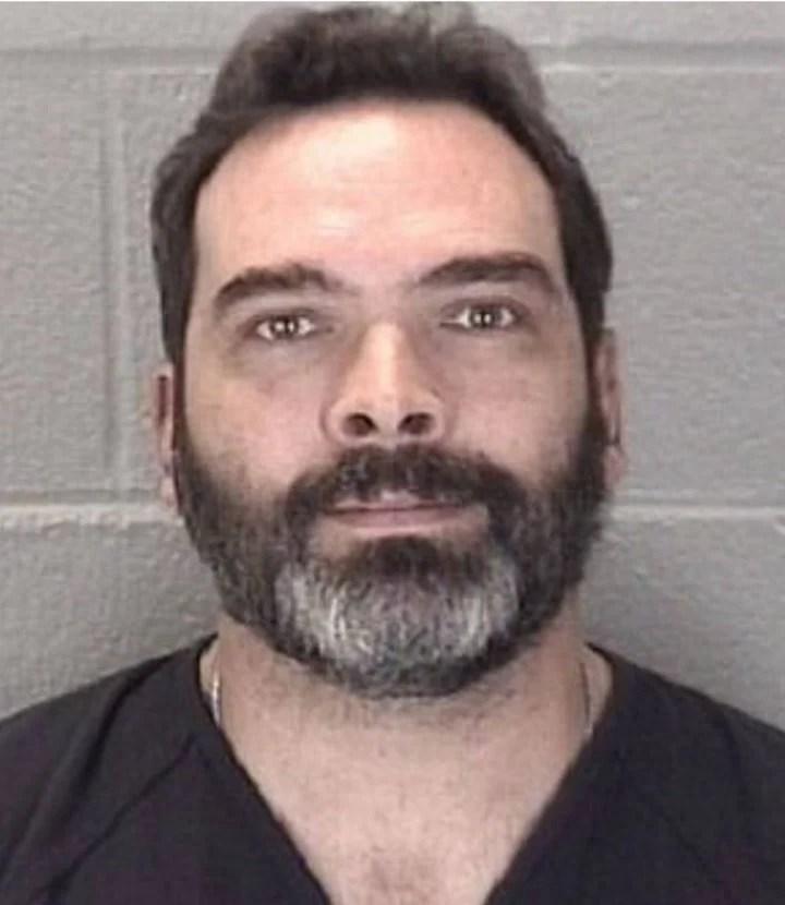 Michael Barnett el ex esposo de Kristine durante su detencin del 18 de septiembre