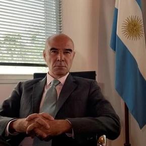 "Gómez Centurión described as ""totalitarian and discriminatory documentation"" the Buenos Aires Covid passport"