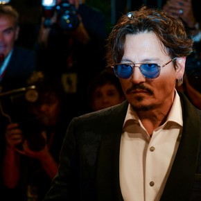 Johnny Depp made his debut on Instagram talking about the coronavirus and tears