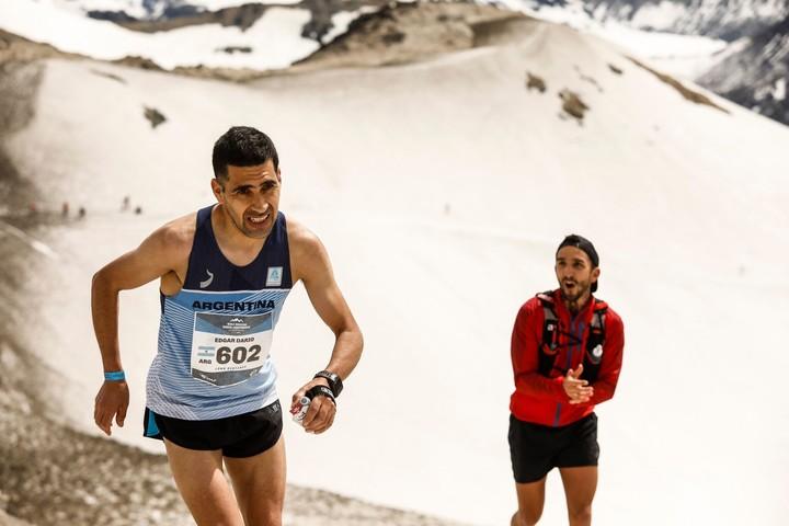 """Con el 23° puesto, """"Lalo"""" Ríos fue el mejor argentino en la carrera de 42 kilómetros del Mundial de Montaña, en Villa La Angostura. Foto: Prensa K42"""