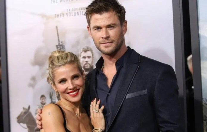 Along with his wife, the Spanish Elsa Pataky.