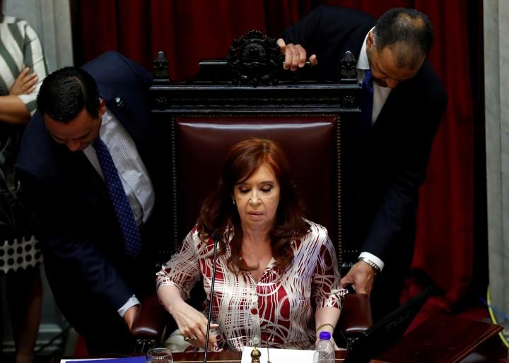 Cristina Kirchner en su sillón de la presidencia del Senado. (Reuters)
