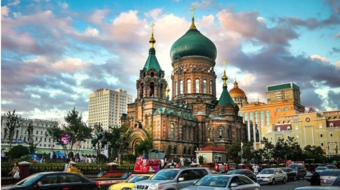Harbin es una ciudad particular ya que fue construida por los rusos. Hoy viven allí casi 11 millones de personas.