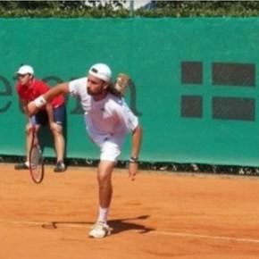 La fabulosa historia de Enrico Becuzzi, el tenista que lleva 26 años sin ganar un solo partido