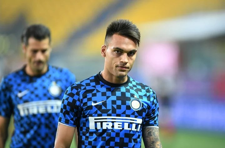 Lautaro Martinez, during the warm-up of the match against Parma.  Photo: Reuters