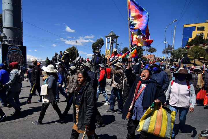 Protest in El Alto against the government of Jeanine Añez for delaying the elections in August 2020. (EFE)