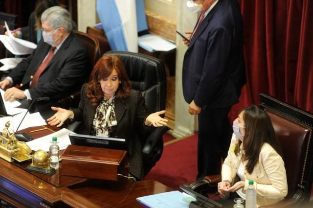 Cristina Kirchner en el Senado donde este miércoles intentará anular los traslados de los jueces que la investigaron. Foto Juan Manuel Foglia.