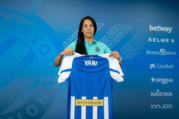 Vanina Correa with the Espanyol shirt.  Photo Courtesy of the Espanyol Press