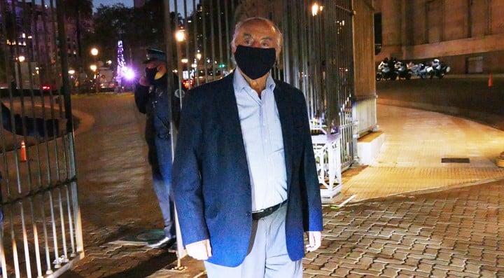 El populoso gremio de Comercio, comandado por Armando Cavalieri, cerró una paritaria del 32%. Foto Marcelo Carroll