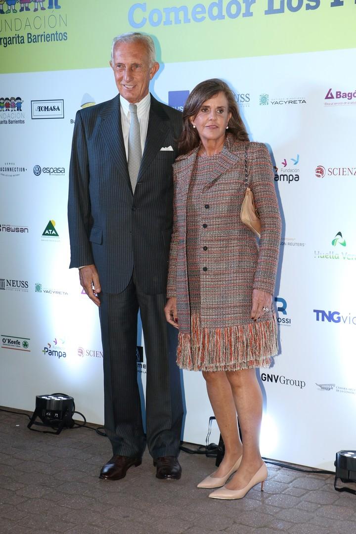 Jorge Neuss y Silvia Saravia en una gala solidaria.  Foto Movilpress
