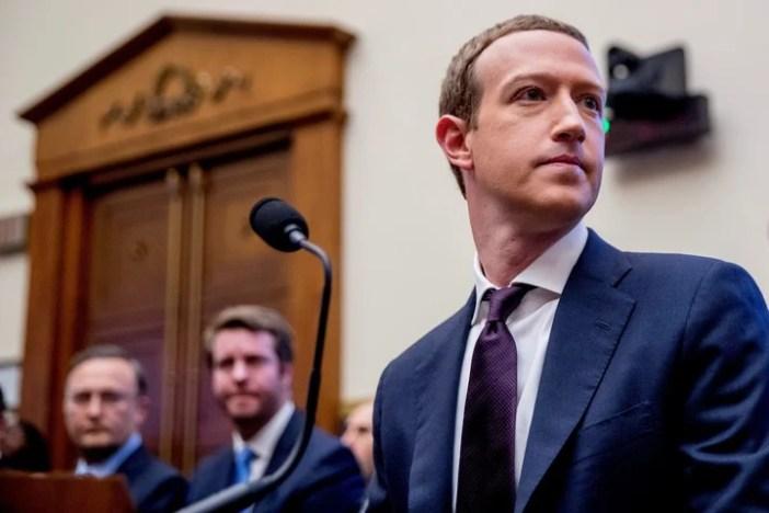 Zuckerberg ya se dio varias vueltas por los tribunales. Foto AP