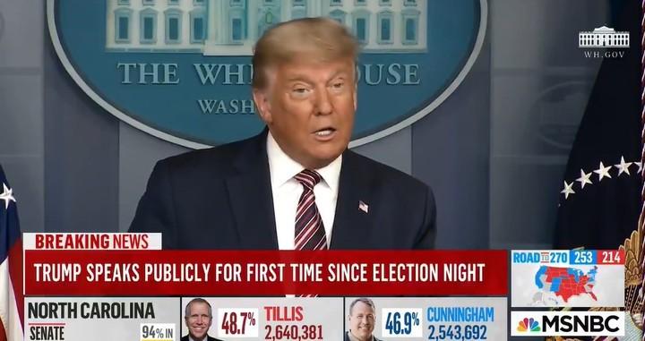 Tres cadenas de televisión cortaron el discurso de Donald Trump la noche de la elección cuando ya denunciaba fraude.