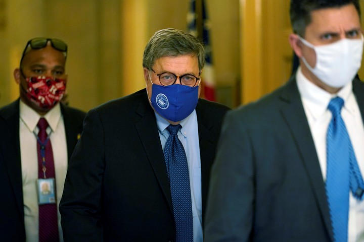 El fiscal general William Barr instruyó el lunes a sus efectivos para que investiguen cualquier sospecha. Foto: AP