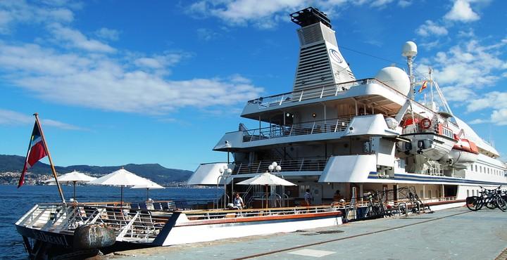 Los primeros casos de coronavirus a bordo del barco SeaDream 1 fueron dados a conocer por influencers que viajaban a bordo.