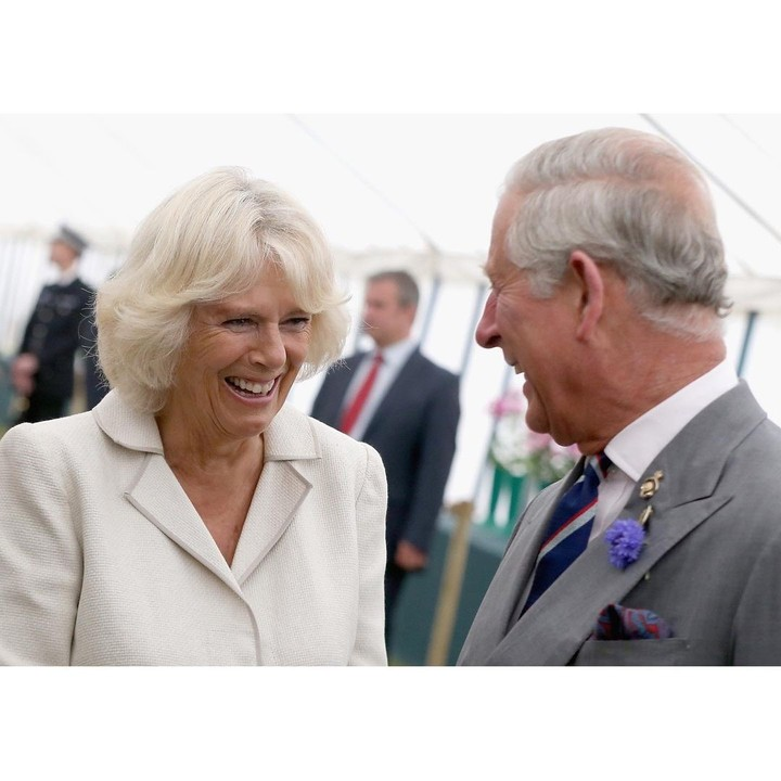 The marriage of Prince Charles and Camilla Parker Bowles implied an advance in the rigid customs of the monarchy.