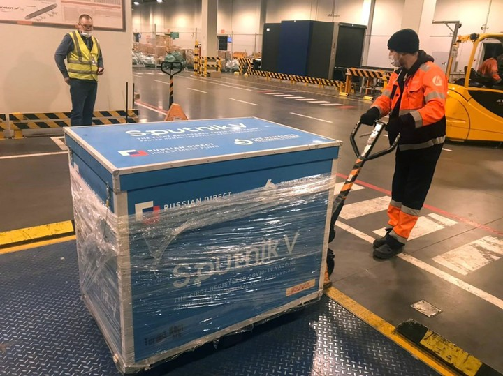 Un cargamento de Sputnik que se envió a Bolivia. La vacuna fue homologada en 50 países. Foto EFE